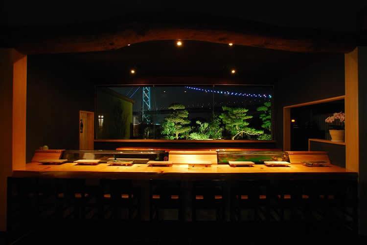 淡路島の玄関口淡路市岩屋。淡路島のお食事なら正寿司へ。明石海峡大橋の架かる海で獲れた、新鮮な魚を使った寿司。都会では出会えない「本物の味」を是非、お試しください。